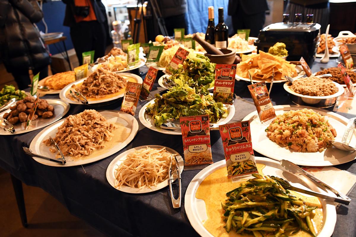 『世界一周ビュッフェ』ランチ料理