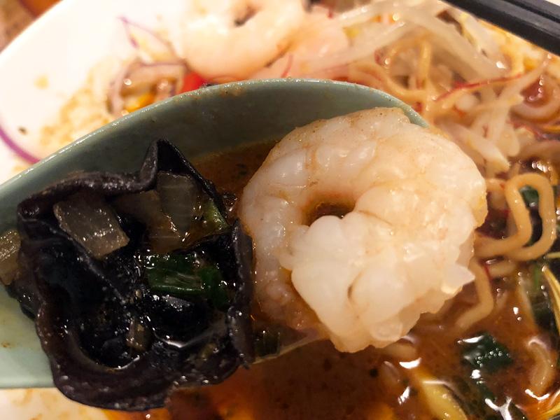 スパイスラーメンにも入っているキクラゲももちろん。エビと供にトムヤムスープに相性がいい具材です
