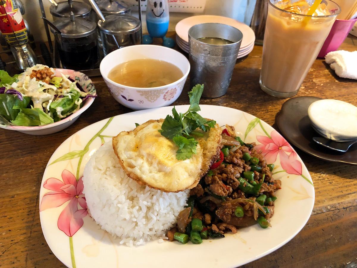 タイ料理店 ティッチャイの『現地の辛さdeガパオライスset』1680円(税込)
