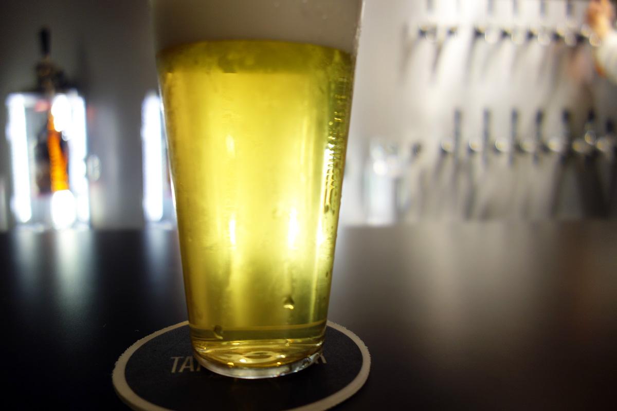 まずはオススメの「Fukushimaji Beer WEIZEN」をいただきます
