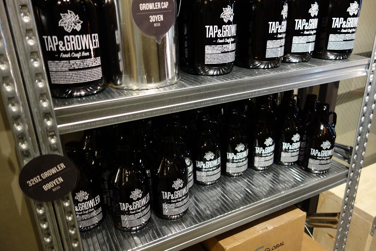 リユースできるオリジナルボトルで好みのビールを持ち帰ることができます