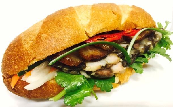 Bánh mì Thập Cẩm(バインミートァップキャム)600円(税込)※予定
