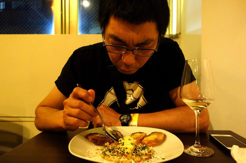 続いてたまご料理の「お魚のタルタル仕立て ゆで玉子のペースト添え」が出てきます 松成「これ、どうやって食べたらいいんだろう」
