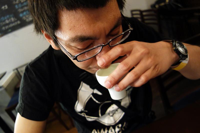松成「正月にじーちゃんちで飲むお酒みたい、にごり酒みたいな」