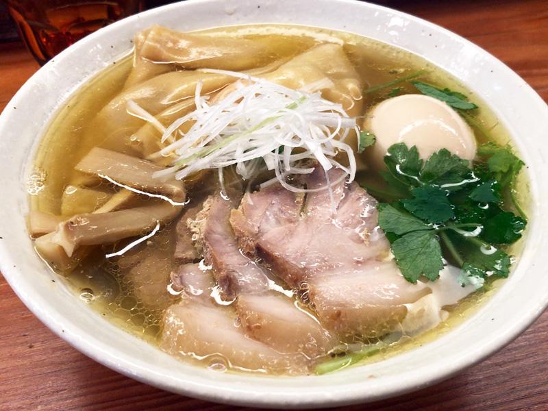 純手打ち 麺と未来の「特製塩らーめん」980円(税込)