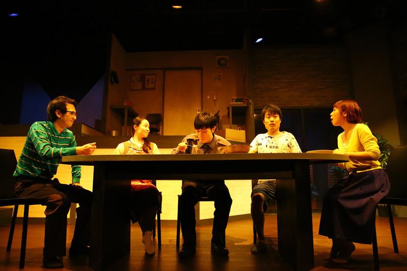 劇団フルタ丸『寂しい時だけでいいから』劇中写真
