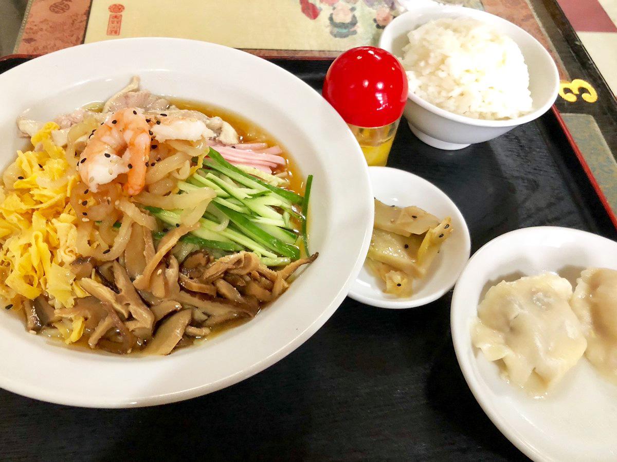 新雪園の「醤油味冷中華」850円(税込・ランチタイム)