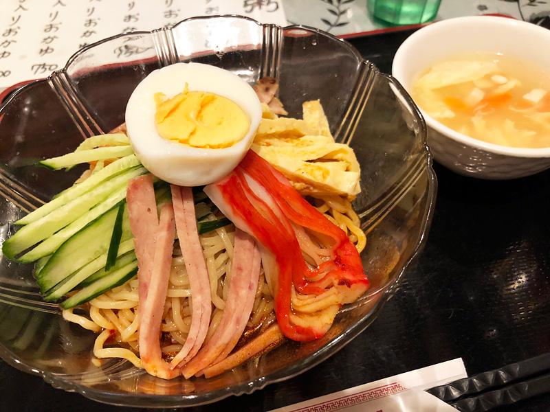 王さんの菜館の「冷やし中華 麻辣だれ」850円(税込)