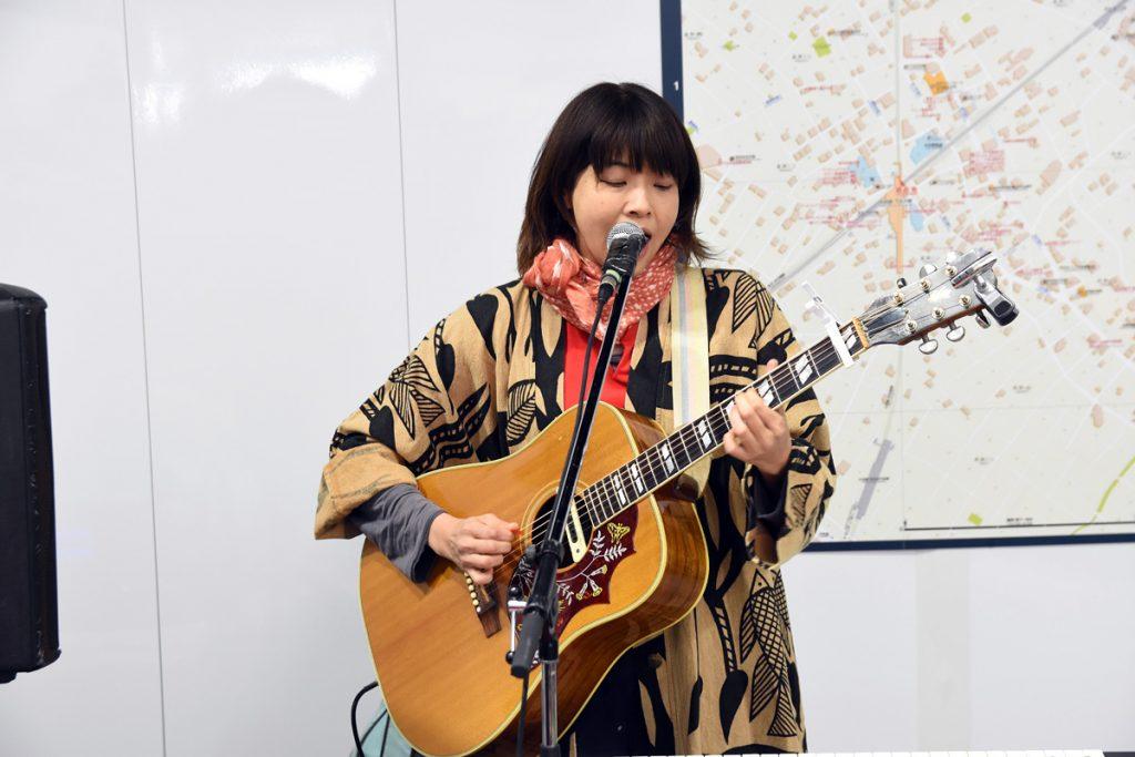 松崎ナオさんによる記念ライブ