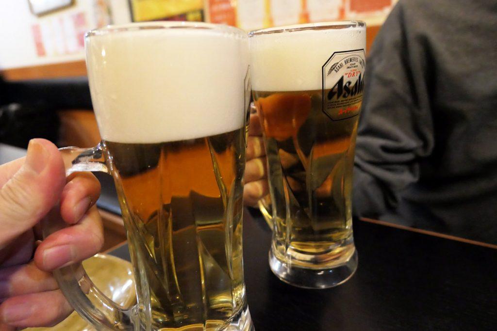 外はめっちゃ寒いけど、激辛メニューだし、やっぱビールだよねー