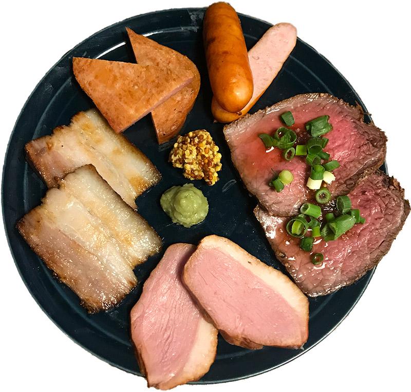 Dining   Bar U7 『燻製お肉の5種盛り合わせ』