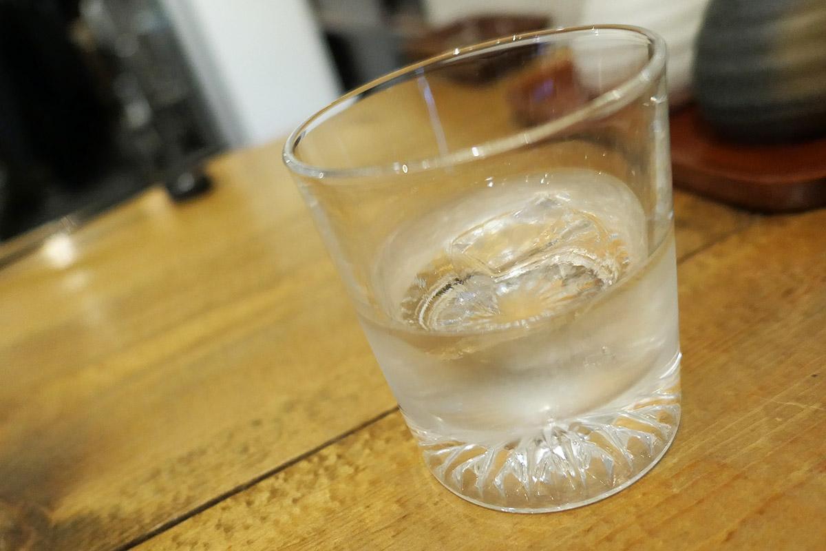 日本酒は兵庫県の「雅の詩」