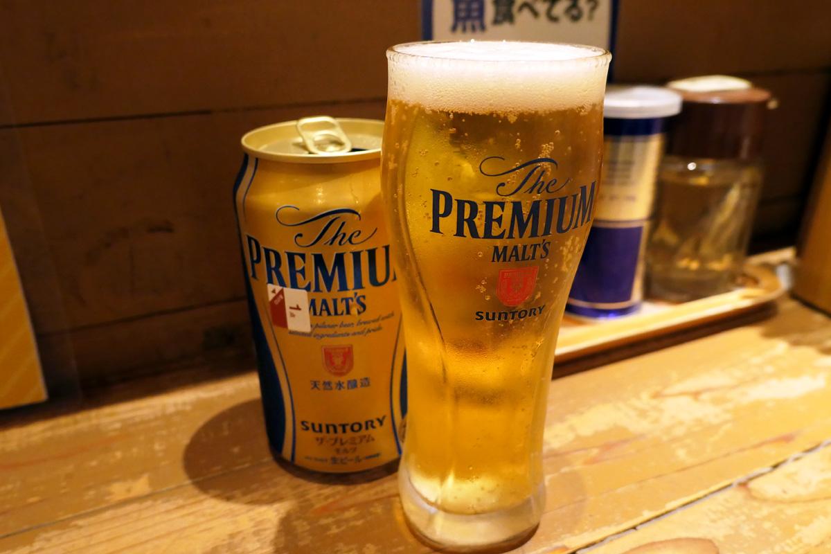 ビールは缶ビールですが、グラス付き。なんか、缶ビールをグラスに注ぐの久しぶりだ