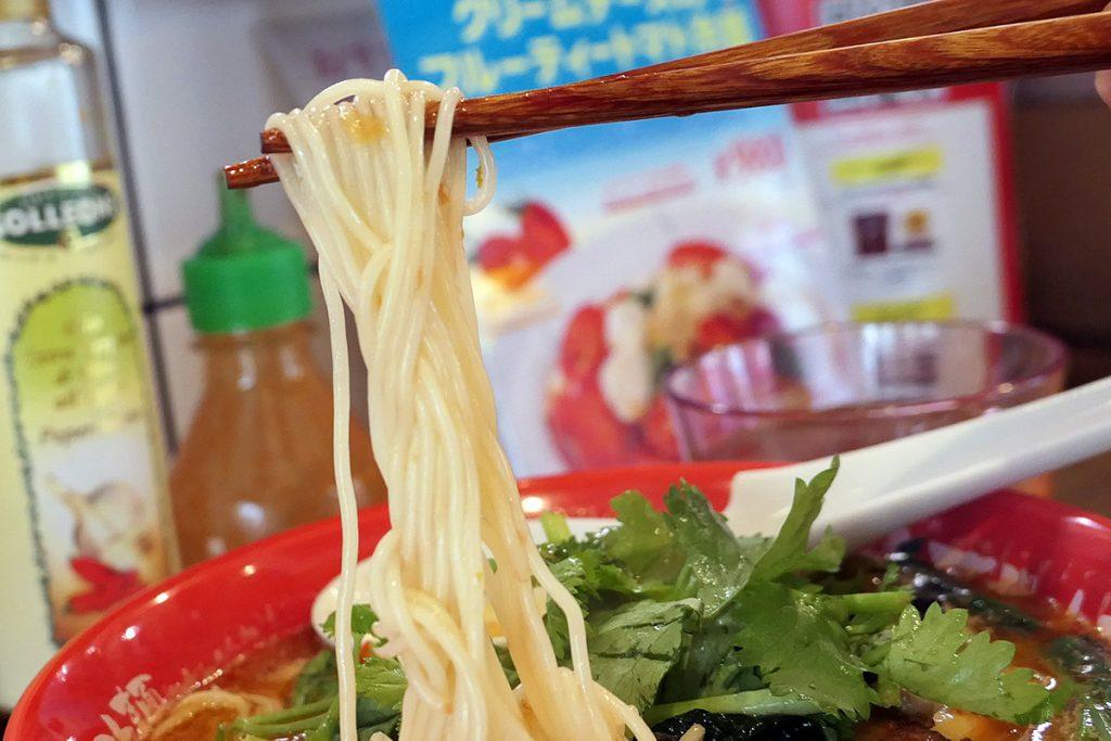 こんな感じの細麺、トマトベースのスープにとても合います