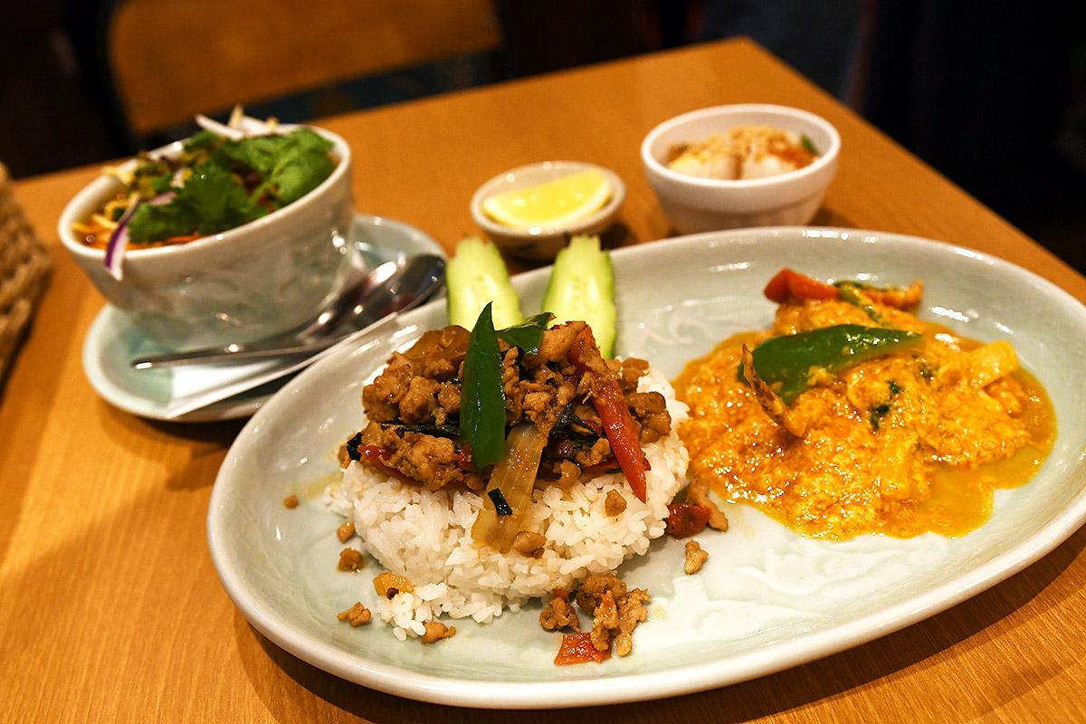タイ料理研究所の「カオソイ」「ガパオライス」「プーニム・パット・ポンカリー」「生春巻き」