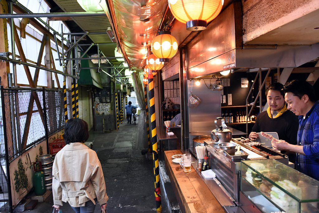 下北沢駅前食品市場に出店していた頃のてっちゃん