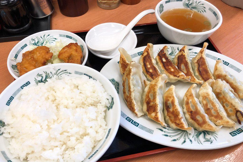 日高屋の「W餃子定食」670円(税込)
