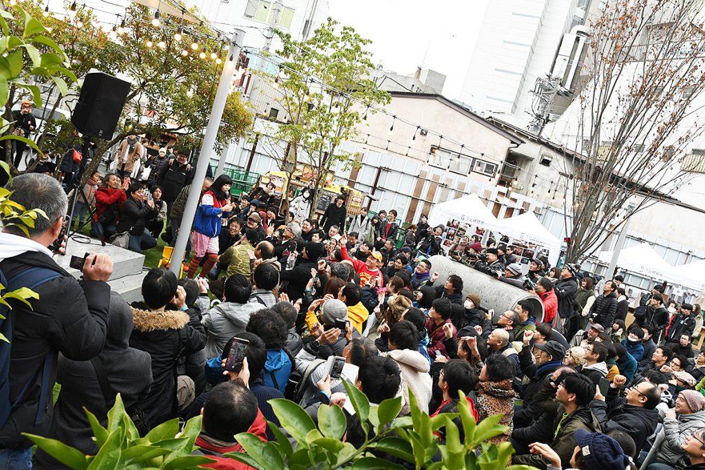 眉村ちあき(お祭りパーク・空き地)