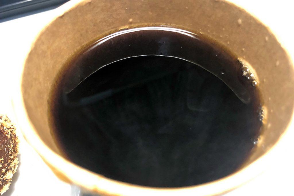 オリジナルコーヒーのLサイズは大容量、Sサイズの+50円でLサイズにできるのはうれしいですね