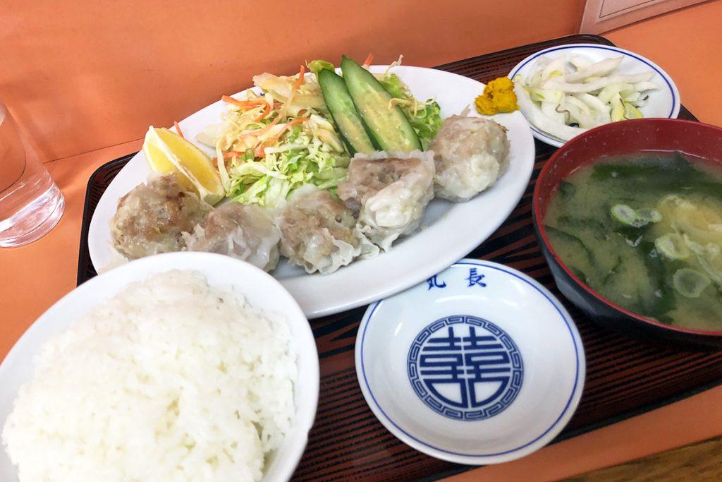 丸長の「シュウマイ定食」800円(税込)