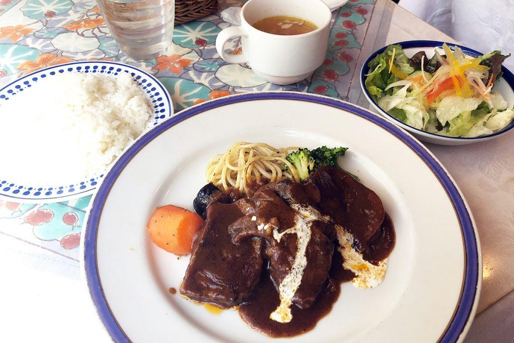 バリエの「タンシチューセット」1650円(税込)