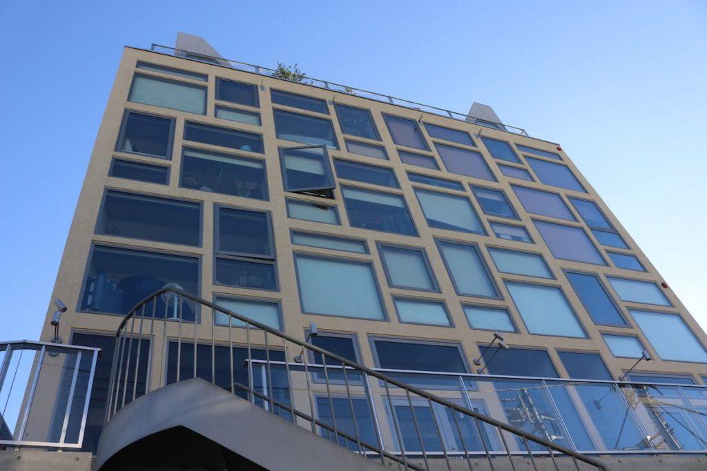 「いいオフィス下北沢」の入る建物