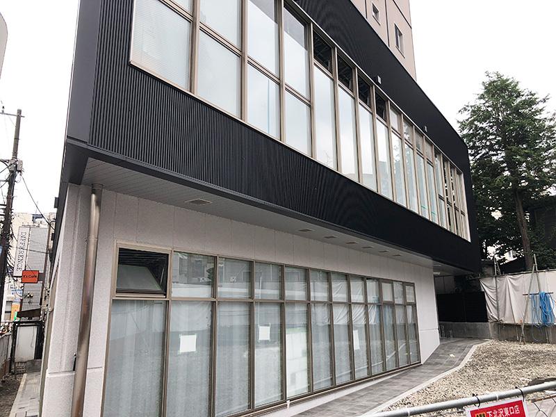 コメダ珈琲店は2階に入るみたいなので、1階のこの広々空間が吉野家になるのかな?? 確認でき次第お知らせしまーす