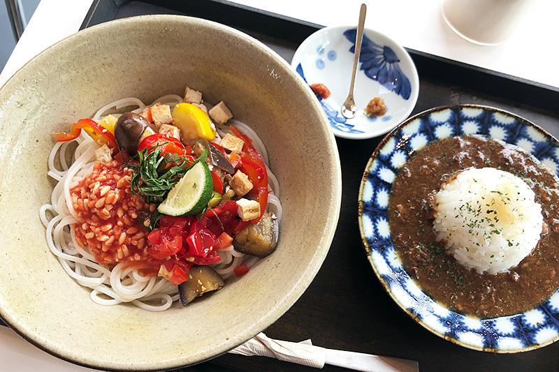 発酵デパートメントの「トマト麹の米麺 ミニハヤシセット」1250円(税込)