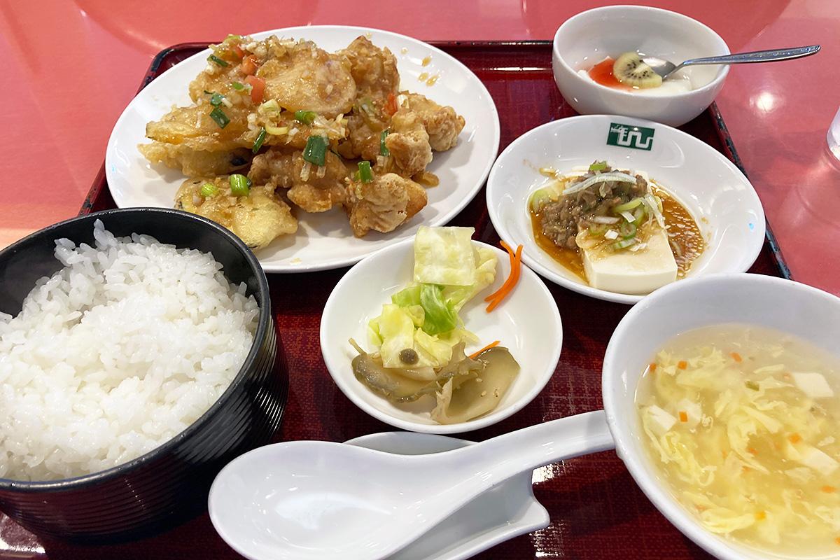 清龍園のランチ「油淋鶏」1100円(税込)