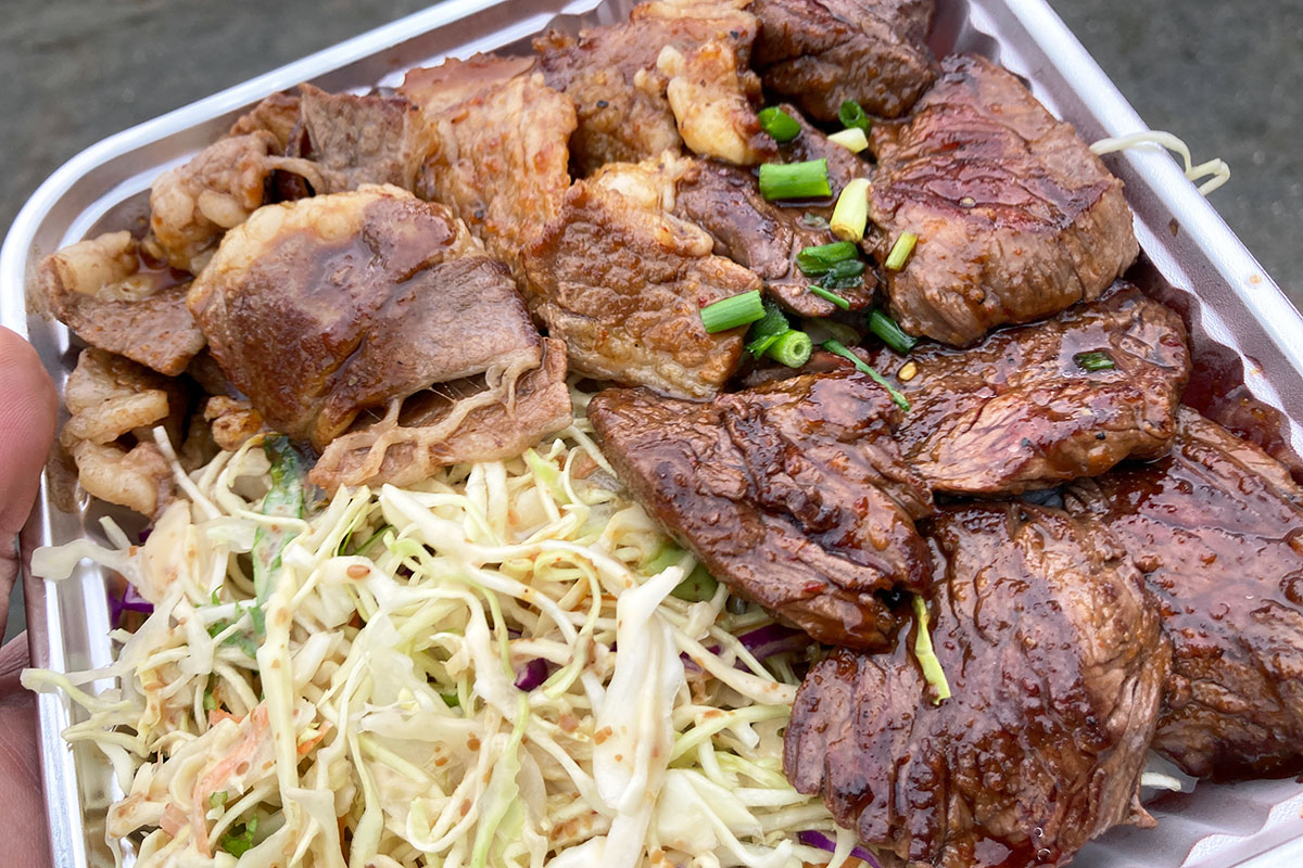 蓋を取ると、肉肉肉肉!