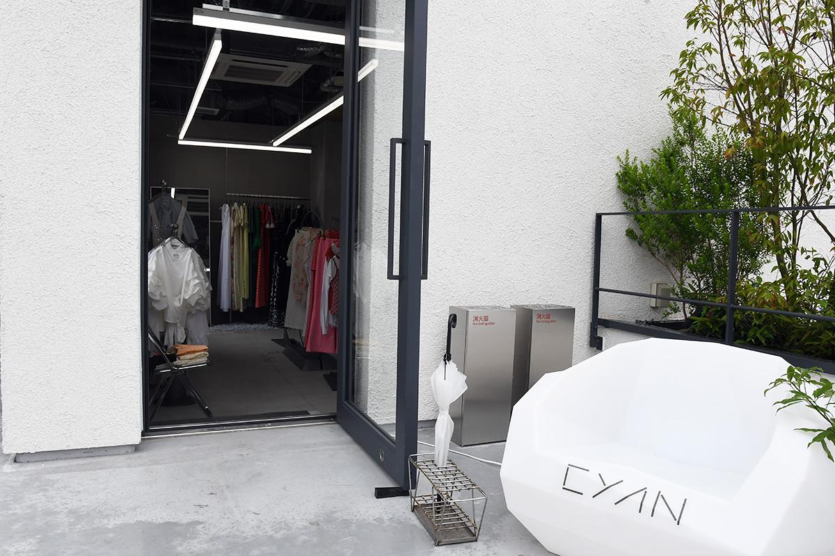 Room_2−2 「CYAN -vintage&used-」 CLOTHES SHOP